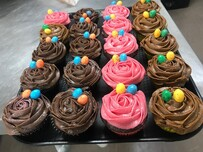 cup cakes 6 pc